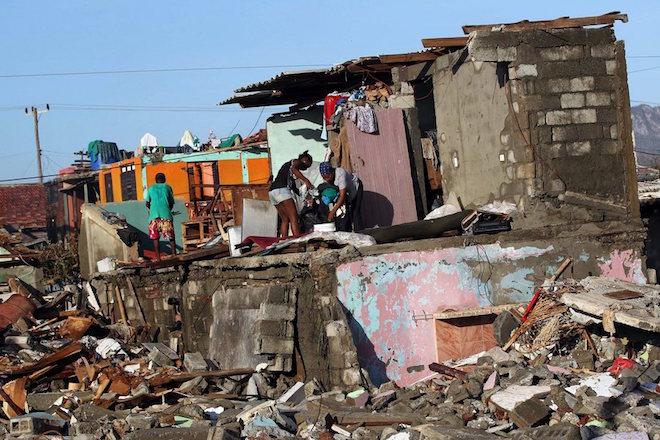 Τυφώνας Μάθιου: Στους 1.000 οι νεκροί στην Αϊτή από την θεομηνία (εικόνες)