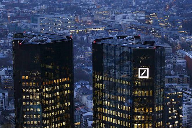 «Χαμηλές πτήσεις» για τα έσοδα της Deutsche Bank