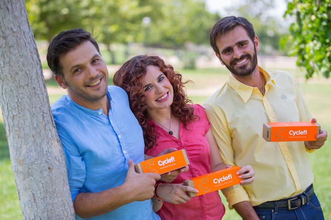 Cyclefi: Το κίνημα με τις πορτοκαλί σακούλες που μαθαίνει στους Έλληνες την ανακύκλωση