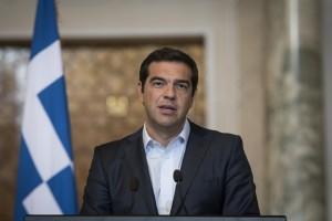 (Ξένη Δημοσίευση) Ο Πρωθυπουργός, Αλέξης Τσίπρας μιλάει κατά τη διάρκεια των κοινών δηλώσεων που έδωσε μαζί με τον Πρόεδρο της Δημοκρατίας της Κύπρου, Νίκο Αναστασιάδη (ΔΕΝ ΕΙΚΟΝΙΖΕΤΑΙ) και τον Πρόεδρο της Αραβικής Δημοκρατίας της Αιγύπτου, Αμπντέλ Φατάχ αλ Σίσι (ΔΕΝ ΕΙΚΟΝΙΖΕΤΑΙ), μετά το τέλος της 4ης Τριμερούς Συνόδου Ελλάδας-Κύπρου-Αιγύπτου που πραγματοποιήθηκε στο Προεδρικό Μέγαρο της Νταχαμπέια, στο Κάιρο, Τρίτη 11 Οκτωβρίου 2016. Οι τρείς ηγέτες συμφώνησαν ως προς την ενίσχυση της συνεργασίας μεταξύ των τριών χωρών, προκειμένου να προωθηθεί μια τριμερής εταιρική σχέση σε διάφορους τομείς κοινού ενδιαφέροντος, και να εργασθούν από κοινού για την προώθηση της ειρήνης, της σταθερότητας, της ασφάλειας και της ευημερίας στην περιοχή της Μεσογείου. ΑΠΕ-ΜΠΕ/ΓΡΑΦΕΙΟ ΤΥΠΟΥ ΠΡΩΘΥΠΟΥΡΓΟΥ/Andrea Bonetti