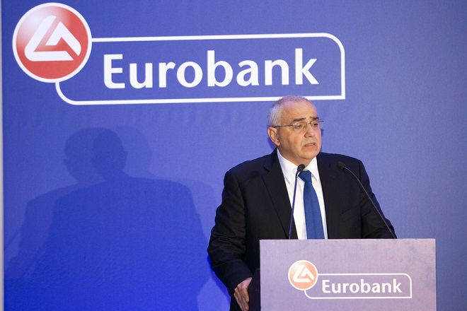 Kαραμούζης: Δεν φεύγω από την Eurobank