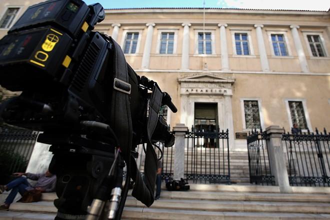 Εξωτερική άποψη του κτιρίου του Συμβουλίου της Επικρατείας η Ολομέλεια του οποίου συνεδριάζει, κεκλεισμένων των θυρών, για το θέμα της χορήγησης των τεσσάρων τηλεοπτικών αδειών εθνικής εμβέλειας, μετά την διακοπή της πρώτης διάσκεψης την περασμένη εβδομάδα, Αθήνα, την Τετάρτη 12 Οκτωβρίου 2016. ΑΠΕ-ΜΠΕ/ΑΠΕ-ΜΠΕ/ΣΥΜΕΛΑ ΠΑΝΤΖΑΡΤΖΗ