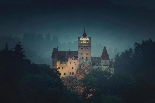 Η Airbnb προσφέρει μία διαμονή στο Κάστρο του Δράκουλα
