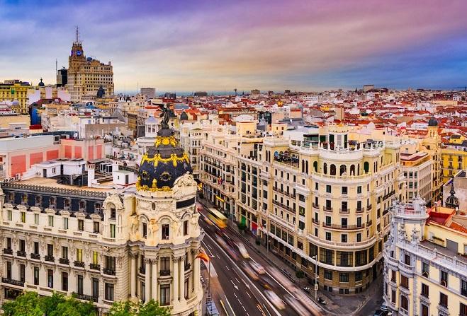 Εκκενώθηκε ουρανοξύστης στη Μαδρίτη λόγω απειλής για βόμβα