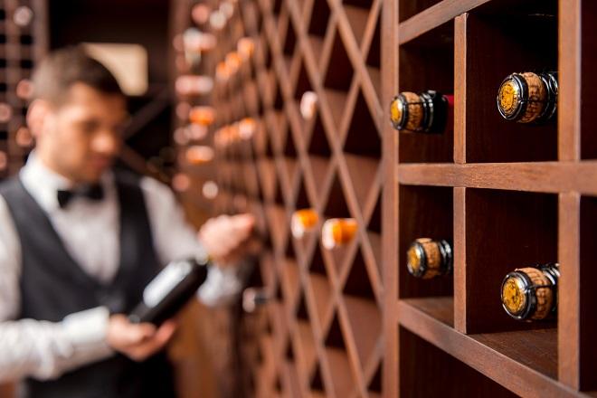 Tι πρέπει να αποφεύγετε όταν παραγγέλνετε κρασί