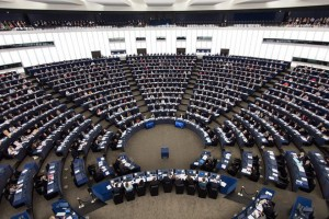 epa05603710 Members of parliament vote during the voting session at the European Parliament in Strasbourg, France, 26 October 2016.  EPA/PATRICK SEEGER