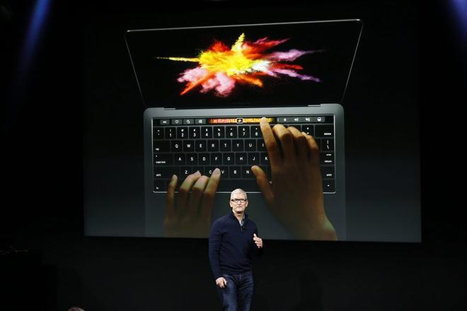 Τέσσερα χρόνια μετά, η Apple αποφάσισε να αλλάξει το MacBook Pro