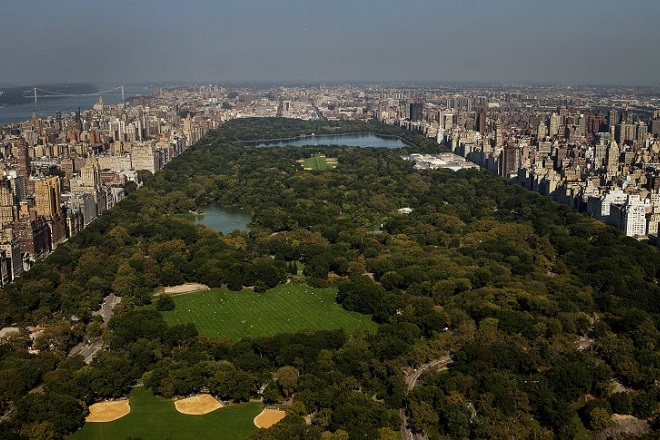 Central Park is seen from the 86th floor during construction of the One57 residential building in New York, U.S., on Friday, Oct. 5, 2012. The number of Manhattan apartments on the market totaled 5,847 at the end of the quarter, a 24 percent decline from a year earlier and the lowest since the first three months of 2005, according to a report this week by appraiser Miller Samuel Inc. and brokerage Prudential Douglas Elliman Real Estate. Photographer: Victor J. Blue/Bloomberg via Getty Images