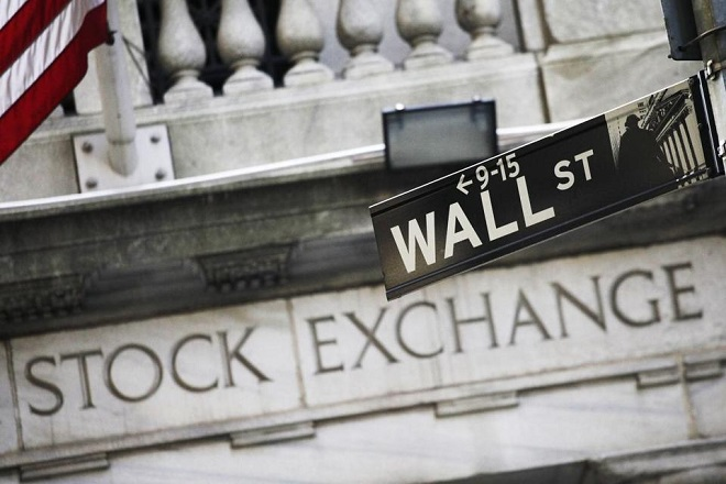 «Βουτιά» στη Wall Street στη σκιά των τρομοδεμάτων