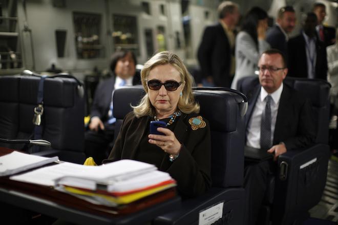 Προηγείται η Κλίντον – Πόσο επηρέασε τα ποσοστά η νέα έρευνα του FBI στα emails της;