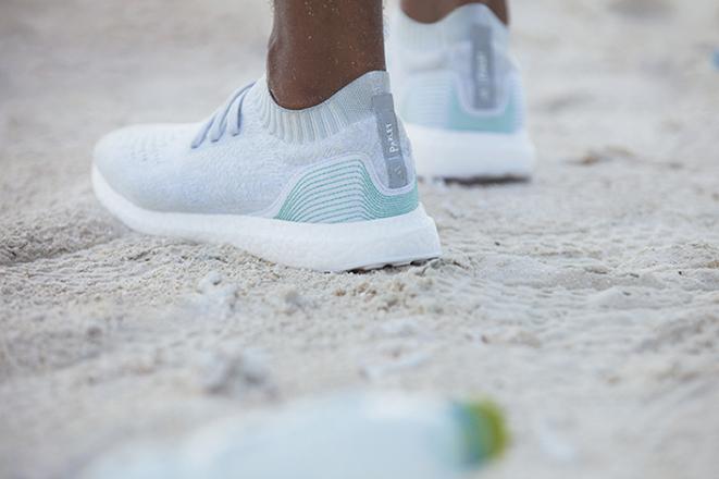 Θα αγοράζατε παπούτσια φτιαγμένα από σκουπίδια αν δεν ξέρατε ποιος τα έφτιαξε;