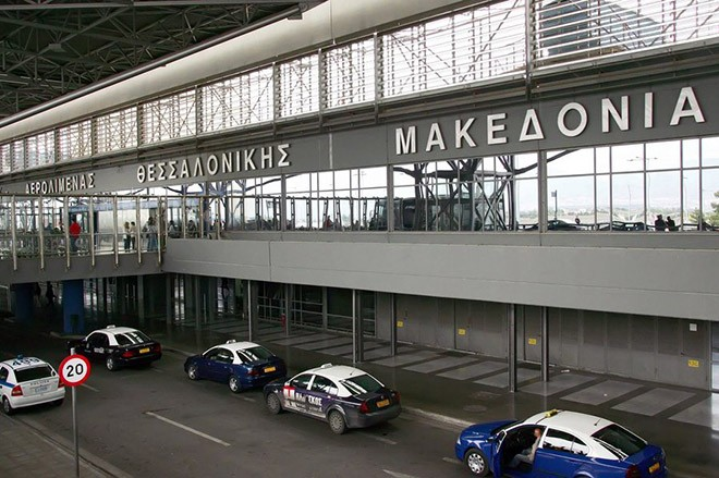 epa04888088 A file picture made available on 18 August 2015, shows an outside view of Thessaloniki airport Macedonia in northern Greece, 25 November 2014. German company Fraport, the operator of Frankfurt airport, on 18 August 2015 was officiallyu given permission to operate 14 regional airports in Greece, mostly in tourist locations. The move comes within the scope of a privatisation wave demanded by creditors to tackel teh Greece debt crisis.  EPA/SOTIRIS BARBAROUSIS