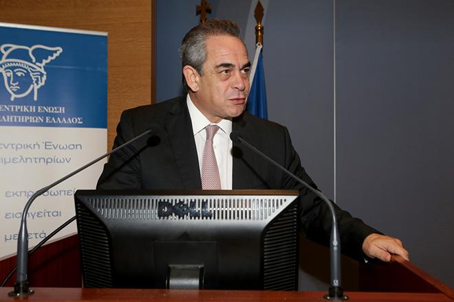 Ο πρόεδρος της Κεντρικής Ένωσης Επιμελητηρίων Κωνσταντίνος Μιχαλος  μιλά σε ημερίδα για την Ανακύκλωση και την εναλλακτική Διαχείριση Συσκευασιών , Τετάρτη 9 Νοεμβρίου 2016.  Ημερίδα για την Ανακύκλωση και την εναλλακτική Διαχείριση Συσκευασιών διοργάνωσαν η Κεντρική Ένωση Δήμων Ελλάδος (ΚΕΔΕ) και η Κεντρική Ένωση Επιμελητηρίων (ΚΕΕ). ΑΠΕ-ΜΠΕ/ΑΠΕ-ΜΠΕ/Παντελής Σαίτας