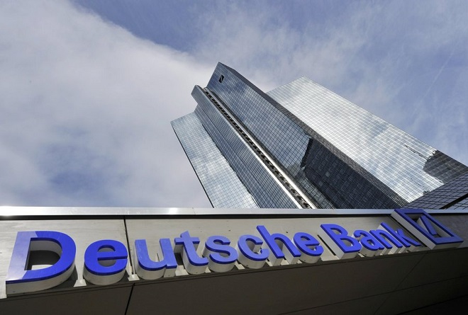Deutsche Bank: Διευρύνονται οι απώλειες καθώς οι επενδυτές αμφιβάλλουν για το σχέδιο αναδιάρθρωσής της