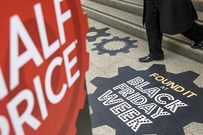 «Φρενίτιδα» για τη Black Friday: Οι προσφορές και οι παγίδες