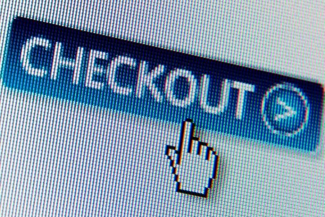 Αγοραστές και… απατεώνες λατρεύουν Black Friday και Cyber Monday