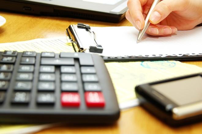 Νέο πακέτο φοροελαφρύνσεων 1,8 δισ. ευρώ για τη μεσαία τάξη