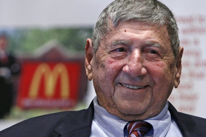 Έφυγε από τη ζωή ο άνθρωπος που επινόησε το Big Mac