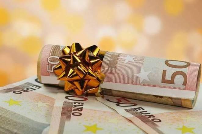 Δώρο Χριστουγέννων: Πότε θα καταβληθεί και πώς να το υπολογίσετε