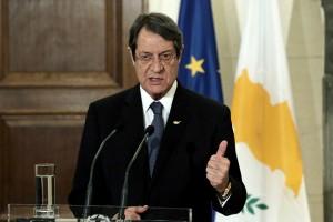 Ο πρωθυπουργός Αλέξης Τσίπρας (δεν εικονίζεται) κάνει δηλώσεις από κοινού με τον Πρόεδρο της Κύπρου Νίκο Αναστασιάδη (φώτο) μετά τη συνάντησή τους στο Μέγαρο Μαξίμου, Αθήνα, την Τετάρτη 16 Νοεμβρίου 2016. ΑΠΕ-ΜΠΕ/ΑΠΕ-ΜΠΕ/ΣΥΜΕΛΑ ΠΑΝΤΖΑΡΤΖΗ