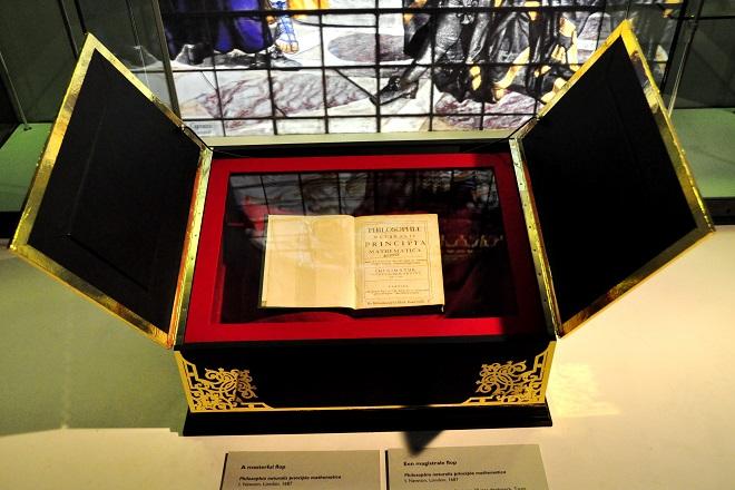 Παγκόσμιο ρεκόρ τιμής κατέγραψε βιβλίο του Νεύτωνα