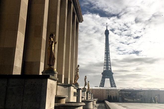 Χριστούγεννα στο φαντασμαγορικό Παρίσι