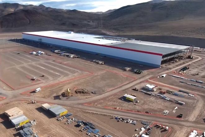 Η Tesla παρουσιάζει το μεγαλύτερο εργοστάσιο αποθήκευσης μπαταρίας στον κόσμο