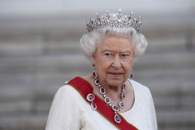 Τί θα συμβεί στη Βρετανία εάν πεθάνει η βασίλισσα Ελισάβετ