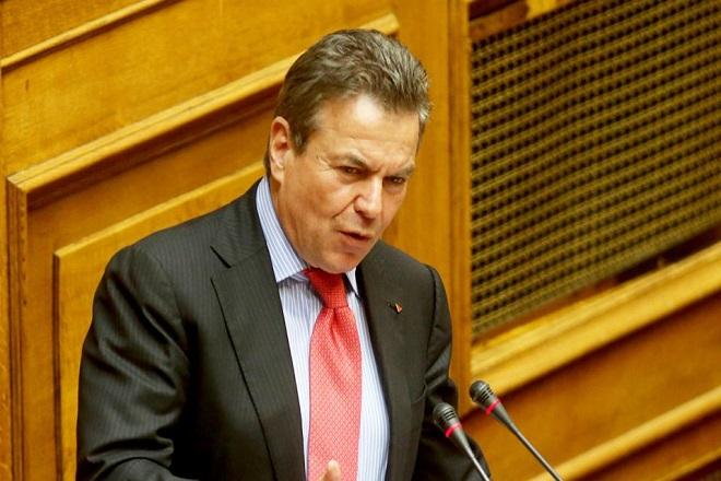 Πετρόπουλος: Δεν θα πληρώνουν εισφορές όσοι δεν έχουν έσοδα από μπλοκάκια