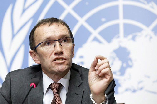 epa05710850 United Nations Special Advisor of the Secretary-General on Cyprus Espen Barth Eide speaks to the media about the Cyprus Peace Talks, during a press conference, at the European headquarters of the United Nations in Geneva, Switzerland, 11 January 2017.  EPA/SALVATORE DI NOLFI