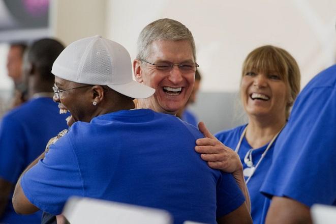 Η Apple «πλησιάζει» το ένα τρισ. δολάρια σε έσοδα στα προϊόντα iOS