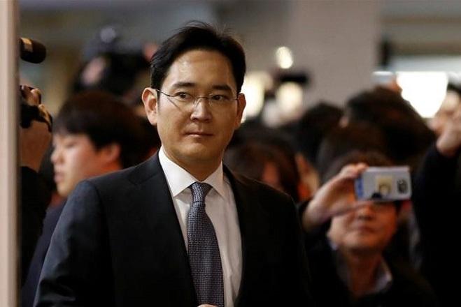 Αντιμέτωπος με νέες κατηγορίες ο πρόεδρος της Samsung