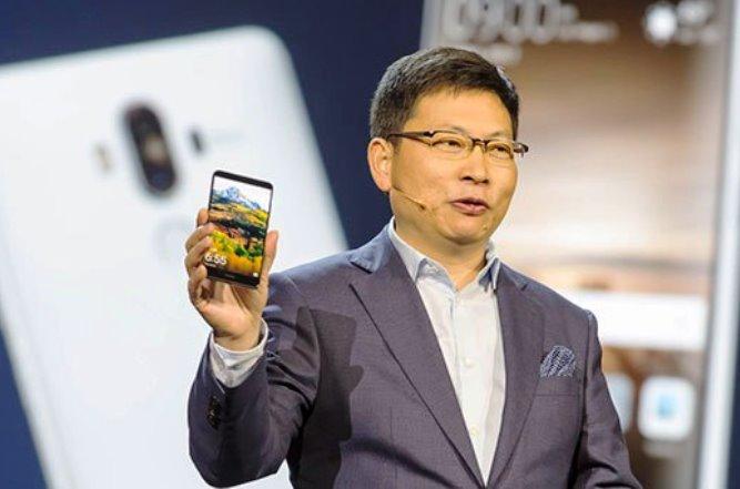 Νέα εποχή για τα κινητά: H Huawei φέρνει το Intelligent Phone