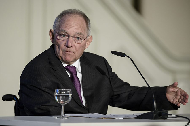 epa05711441 German Finance Minister Wolfgang Schaeuble speaks during the festivity of the '70 Jahre Europa-Union Deutschland' in Berlin, Germany, 11 January 2017.  EPA/CLEMENS BILAN