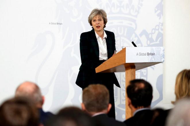 Η Τερέζα Μέι πήρε θέση: Η Βρετανία πρέπει να βγει από την ενιαία αγορά
