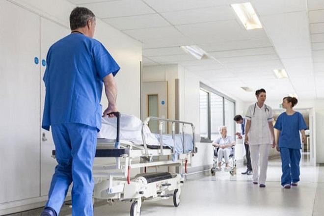 Δέκα χιλιάδες μόνιμες προσλήψεις στην Υγεία την επόμενη τετραετία ανακοίνωσε η κυβέρνηση