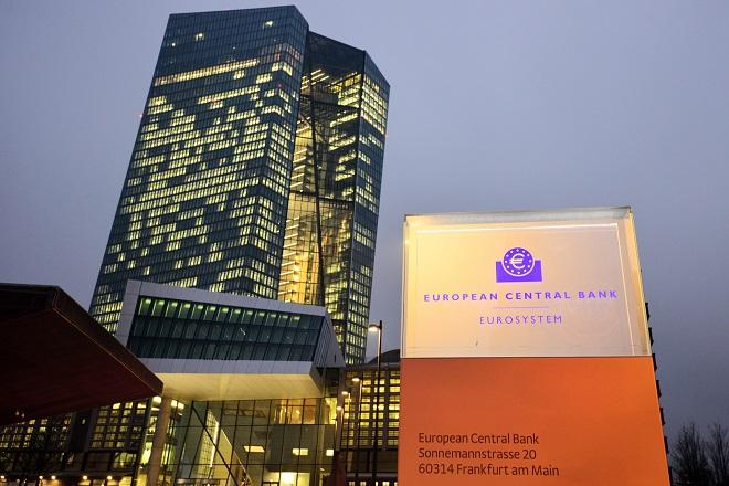 Η ΕΚΤ επιθυμεί την ένταξη της Ελλάδας στο πρόγραμμα ποσοτικής χαλάρωσης