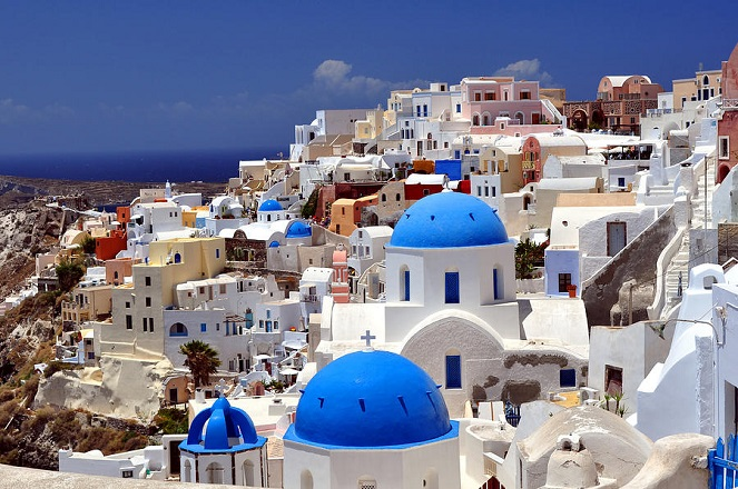«Σύγχρονοι σκλάβοι του ελληνικού τουρισμού»