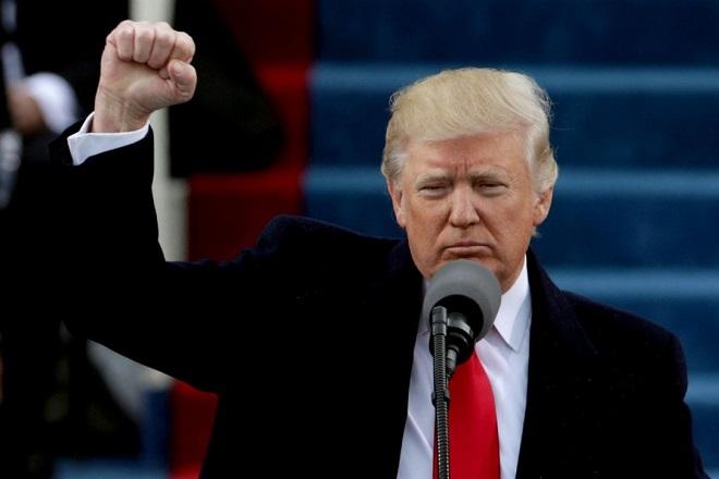 Τραμπ: Θα χτίσουμε το τείχος!