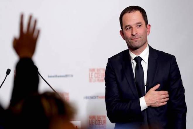 Ο «έμπορος της αυταπάτης», Μπενουά Αμόν, υποψήφιος των Σοσιαλιστών στη Γαλλία