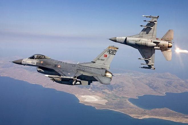 Νέες πτήσεις τουρκικών μαχητικών αεροσκαφών πάνω από το Καστελόριζο