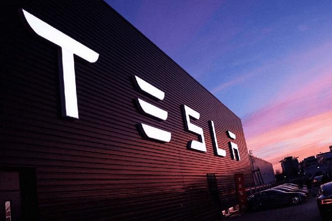 Επένδυση στην Ελλάδα από τον αμερικανικό κολοσσό Tesla;