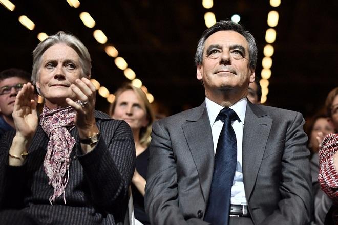 Νέο χτύπημα στην υποψηφιότητα Φιγιόν στη Γαλλία