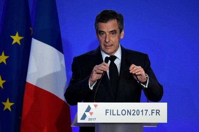 Καταρρέει ο Φιγιόν – Το 70% των Γάλλων ζητά την παραίτησή του