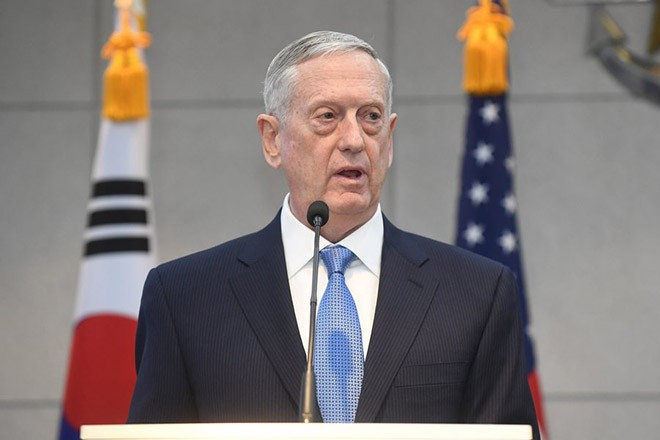 epa05767706 US Defense Secretary James Mattis speaks with South Korean Defense Minister Han Min-Koo (not pictured) before their meeting at the headquarters of the Defense Ministry in Seoul, South Korea, 03 February 2017. Mattis is on a two-day visit to South Korea in his first overseas trip aimed at underscoring the US security commitment to its Asian ally amid growing threats from North Korea.  EPA/KIM MIN-HEE / POOL