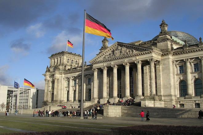 γερμανικο κοινοβουλιο, μερκελ, βερολινο