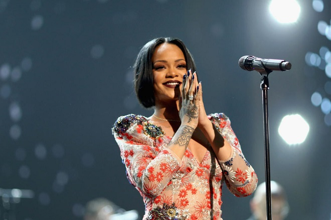 H Rihanna βραβεύεται από το Harvard για τη φιλανθρωπία της