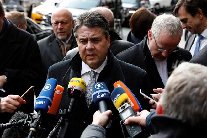 Ο Γκάμπριελ ζητά τη δέσμευση της ΕΕ για το χρέος