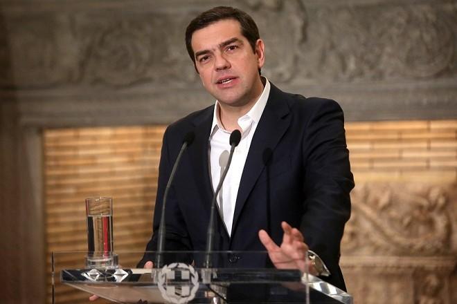 Ο πρωθυπουργός Αλέξης Τσίπρας  με τον ομόλογο του πρωθυπουργό της Μάλτας Joseph Muscat (δεν εικονίζεται) κάνουν κοινές δηλώσεις μετά τη συνάντησή τους στο Μέγαρο Μαξίμου, Αθήνα Τετάρτη 1 Μαρτίου 2017. Ο πρωθυπουργός της Μάλτας βρίσκεται στην Αθήνα σε μονοήμερη επίσκεψη.  ΑΠΕ-ΜΠΕ/ΑΠΕ-ΜΠΕ/ΟΡΕΣΤΗΣ ΠΑΝΑΓΙΩΤΟΥ