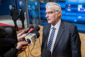 epa05832628 Polish Foreign Minister Witold Waszczykowski speaks to the press ahead of the European Union (EU) Foreign Affairs Council in Brussels, Belgium, 06 March 2017.  EPA/STEPHANIE LECOCQ